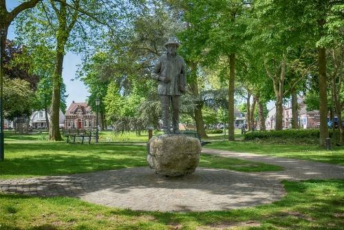 Nuenen - Standbeeld Vincent van Gogh